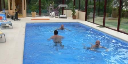 Les Hortensias La piscine couverte 28 °