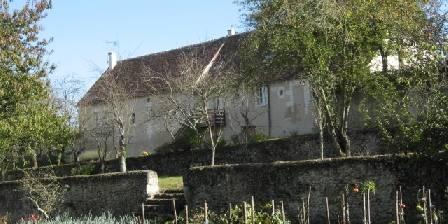 Gîtes Château de la Voute Le gite vu du potager