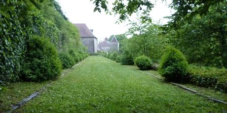 Château de la Hussardière Promenade un soir dans le parc