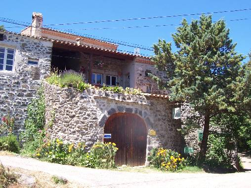 Bed & breakfasts Ardèche, from 50 €/Nuit. House of character, Lussas (07170 Ardèche), Charm, Guest Table, Swimming Pool, Garden, Net, WiFi, Baby Kits, 3 Double Bedroom(s), 6 Maximum People, Lounge, Library, Ping Pong, Bow...