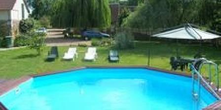 Les Chaumières du Chêne La piscine