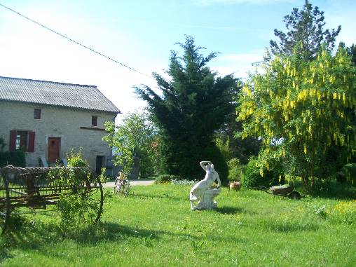 Bed & breakfasts Alpes de Haute Provence, from 63 €/Nuit. House of character, Forcalquier (04300 Alpes de Haute Provence), Charm, Garden, Baby Kits, 2 Double Bedroom(s), Lounge, Ping Pong, Country View, Pets forbidden. A proximité : Mano...