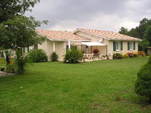 Chambres d'hotes Gironde, à partir de 55 €/Nuit. Belin Béliet (33830 Gironde)....