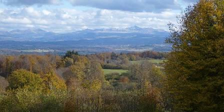 Chambre d'hotes Domaine de La Vervialle > Vue imprenable sur le massif du Sancy