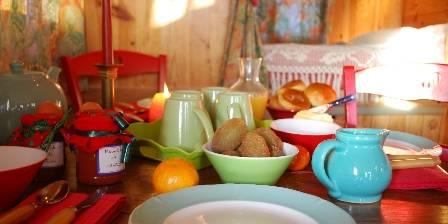 Les Roulottes du Petit  Brimeux Ambiance Petit Déjeuner (Photo O.T. Montreuil et ses vallées)