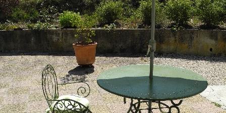 Mas Les Feuillantines Devant l'olivier
