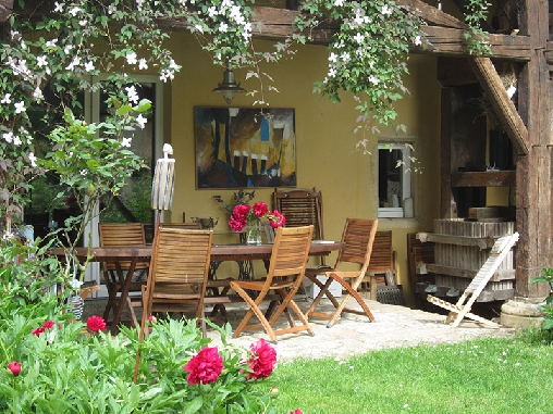 Bed & breakfasts Moselle, from 65.75 €/Nuit. House of character, Scy-Chazelles (57160 Moselle), Garden, Net, WiFi, T.V., Baby Kits, 2 Single Bed(s), 5 Maximum People, Lounge, Library, Kids Games, 3 épis Gites De France, 3...