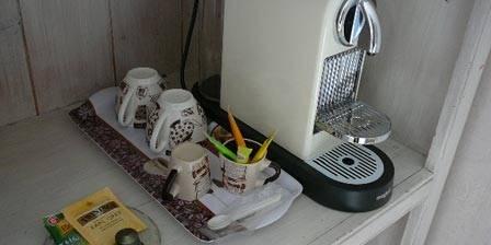 Domaine Lacoste Nespresso, Thés et bouilloires dans chaque chambre