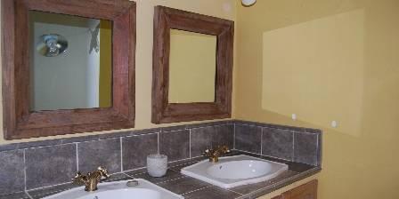 La Grande Maison Du Fau Salle de bains