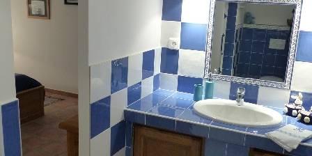 Chambre d'hotes La Bastide Des Pignes > Béryl - salle de douche