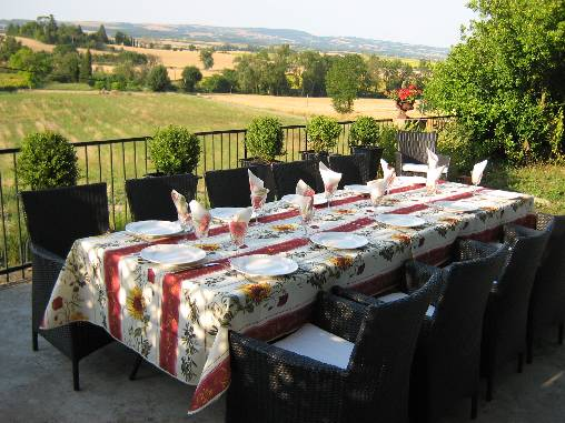 la table d'hôtes en terrasse