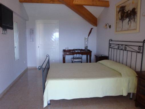 Bed & breakfasts Corse 2A-2B, from 60 €/Nuit. House/Villa, Galeria (20245 Corse 2A-2B), Garden, Disabled access, T.V., Parking, 2 Single Bed(s), 7 Double Bedroom(s), 4 Maximum People, Sea View, Mountain View, Pets forbidden. ...