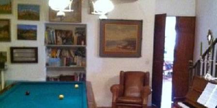 Chez Laurence Jonqueres d'Oriola Le billard , le piano
