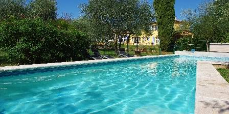 Location de vacances Chambre d'Hôtes Carpe Diem > Piscine chambres d'hôtes Carpe diem