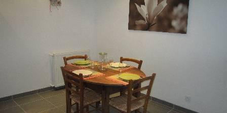 Location de vacances Côté Jardin > la salle à manger