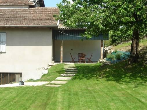 l'arrivée et la terrasse de Côté Jardin