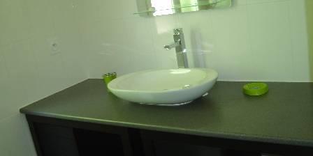 Côté Jardin Une partie de la salle de bains