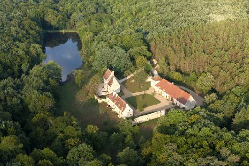 bed & breakfast Indre - Aerial view of Ris de Feu