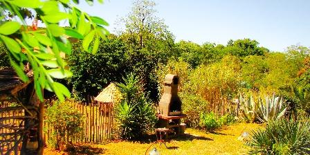 Le Mas de La Gavaresse Garden