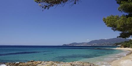 Le Mas de La Gavaresse Une plage