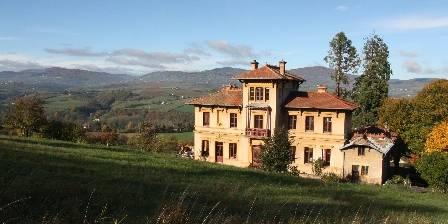 Chambre d'hotes La Source Dorée > un havre de paix au coeur des Monts et collines