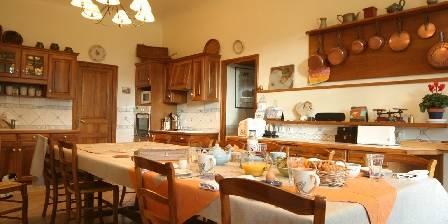 Le Domaine De La Chastellière Le petit-déjeuner dans la cuisine