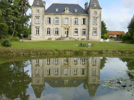 Bed & breakfasts Manche, from 57 €/Nuit. Castle, Fresville (50310 Manche), Luxury, Guest Table, Garden, Park, WiFi, Baby Kits, Parking, 4 Double Bedroom(s), 17 Maximum People, Lounge, Library, Chimeney, Kids Games, Trave...