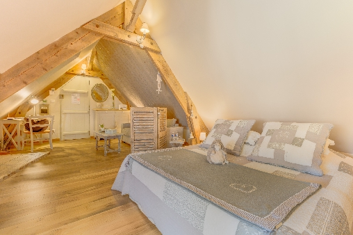 Bed & breakfasts Oise, from 60 €/Nuit. House of character, Saint Germer de Fly (60850 Oise), Charm, Luxury, Garden, WiFi, T.V., Baby Kits, Parking, 1 Single Bed(s), 1 Suite(s), 4 Maximum People, Lounge, Library, 4 épis...