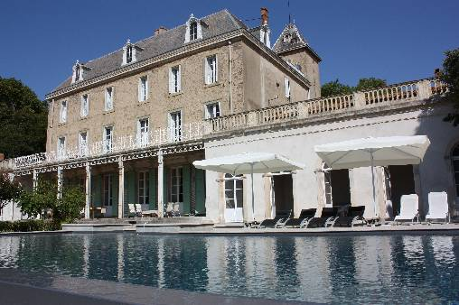 Bed & breakfasts Aude, from 135 €/Nuit. Castle, Blomac (11700 Aude), Charm, Luxury, Guest Table, Swimming Pool, Garden, Park, WiFi, Baby Kits, Parking, 3 Double Bedroom(s), 2 Suite(s), 15 Maximum People, Lounge, Librar...