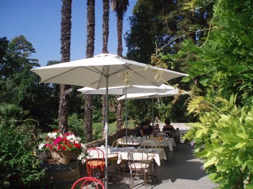 Chambre d'hote Aude - En été, petit dejeuner