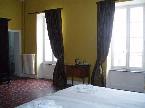 chambre d 39 hote chateau de blomac chambre d 39 hote aude 11 languedoc roussillon album photos. Black Bedroom Furniture Sets. Home Design Ideas