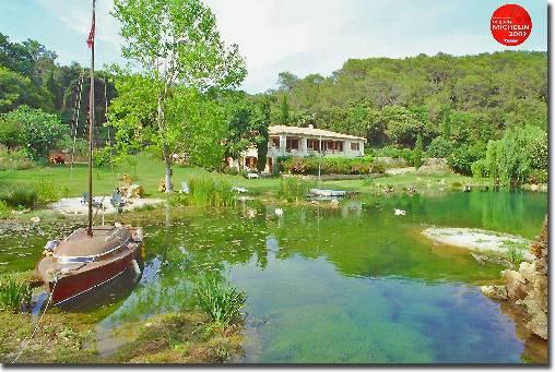 lac et parc privé du Domaine