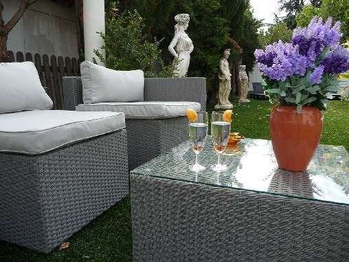 bed & breakfast Var -  garden furniture at your disposal