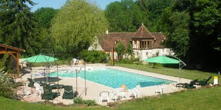 Moulin de Méjat Vue du moulin et piscine