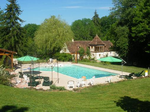 Bed & breakfasts Lot, from 80 €/Nuit. House of character, Lavergne (46500 Lot), Charm, Swimming Pool, Sauna, Jacuzzi, Garden, Park, Net, WiFi, 2 Double Bedroom(s), 1 Suite(s), 7 Maximum People, Lounge, Library, Chimen...