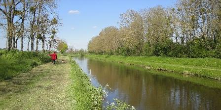 Ferme de la Poterie Le canal d'Orléans