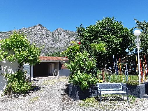 Chambre d'hote Ariège - entrée parking