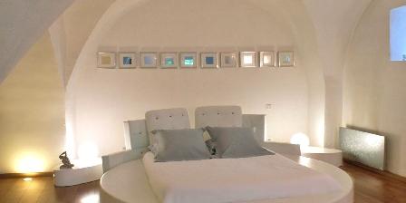 Domaine De Monteils Lit king size du loft Rêve d'Evan