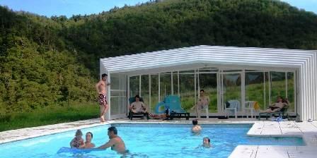 Chambres et table d'hôtes de Margaridou Notre piscine à l'abri rétractable