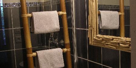 Le Mas D'escampette Salle de bain chambre macondo