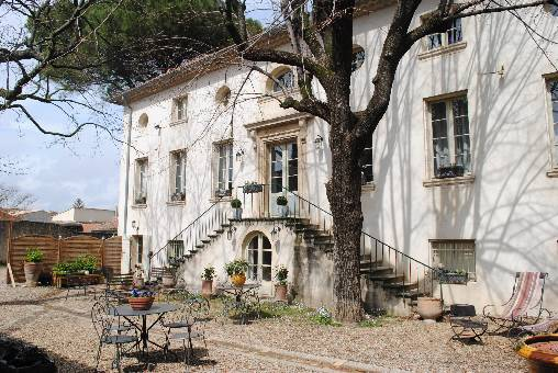 Bed & breakfasts Gard, from 75 €/Nuit. House of character, Saint Geniès de Comolas (30150 Gard), Charm, Swimming Pool, Garden, Net, WiFi, T.V., Parking, 2 Double Bedroom(s), 4 Maximum People, Lounge, Library, Chimeney,...