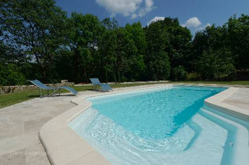 Bed & breakfasts Jura, from 75 €/Nuit. House of character, Chateau- Chalon (39210 Jura), Charm, Luxury, Swimming Pool, Garden, Park, Net, WiFi, T.V., Baby Kits, Parking, 3 Double Bedroom(s), 1 Suite(s), Lounge, Chimene...