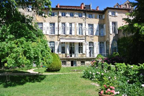 Bed & breakfasts Haute-Loire, from 145 €/Nuit. House of character, Le Puy en Velay (43000 Haute-Loire), Charm, Garden, T.V., Baby Kits, Parking, 1 Single Bed(s), 1 Double Bedroom(s), 1 Suite(s), 3 Maximum People, Lounge, No S...