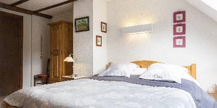 Chambre d'hotes La Montagne Verte > chambre coquelicot 3pers