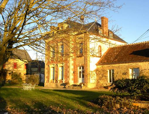 Bed & breakfasts Orne, from 100 €/Nuit. House of character, Saint Léonard des Parcs (61390 Orne), Charm, Guest Table, Swimming Pool, Jacuzzi, Park, WiFi, Parking, 1 Double Bedroom(s), 2 Suite(s), 1 Childrens Bedrooms, ...