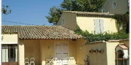 Côté Provence Gîte les Alpilles terrasse