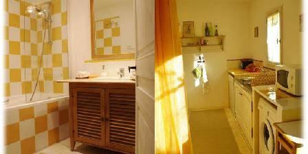 Côté Provence Gîte le Ventoux cuisine et bains