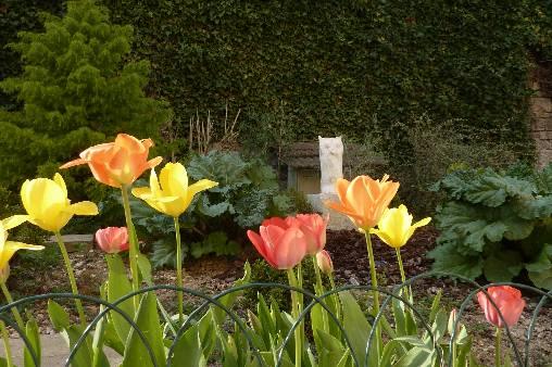 Juste a côté le jardin Anastasia