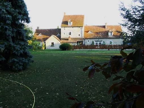 bed & breakfast Loiret - The house from the garden-side