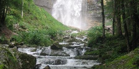 Les 5 Lacs Cascade Le Frasnois